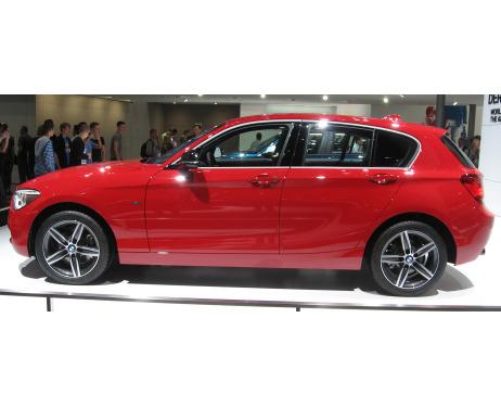 Baguette chromée de contour des vitres latérales BMW Série 1 F20 1121 5p